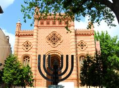 The Choral Temple is a synagogue and the most important Judaist religious building in Romania. Tourist Map, Bucharest Romania, Judaism, Mosque, Temple, Around The Worlds, Gems, Exterior, Tours