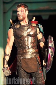 Thor: Ragnarok Exclusive First Look Photos.....I'm getting nervous....his hairs gone