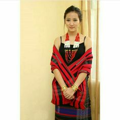 Angela Yantha, the gorgeous model from Nagaland with her traditional attire. Ethnic Fashion, Modern Fashion, Naga People, Northeast India, Ethnic Dress, Western Outfits, Occasion Wear, Indian Ethnic, Traditional Dresses