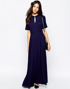 Modest dress with sleeves | Follow Mode-sty on Instagram http://instagram.com/stylishmodesty/