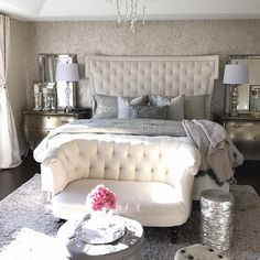 Learn To Decorate In A Creative Rustic Lighting Ideas It can be a complicated process for some people to tackle a project of home interior design. Dream Bedroom, Home Bedroom, Bedroom Wall, Bedroom Decor, Bedroom Ideas, Master Bedrooms, Mirrored Bedroom Furniture, Neutral Bedrooms, Bedroom Designs
