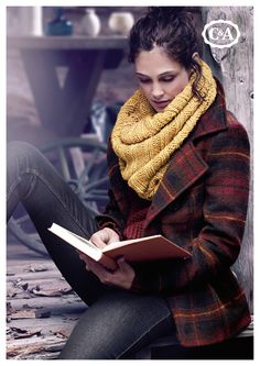 reading during wintertime Welcome Winter, Warm Sweaters, Fall Collections, Winter Time, Fall Outfits, Autumn Fashion, Stylish, My Style, Pretty