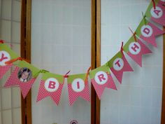 A Party Studio - This Happy Birthday banner is sure to be a huge hit at your little girl's party!