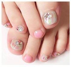 64 Trendy wedding nails for bride bridal pedicure Bridal Pedicure, Glitter Pedicure, Pink Pedicure, Pedicure Colors, Manicure Y Pedicure, Pink Nails, Toe Nails, Pedicure Ideas, Glitter Nails