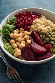 Did cook chickpeas. I was amazed how good it tasted. Beet, Quinoa, and Pomegranate Power Bowls - Will Cook For Friends Beet Recipes, Whole Food Recipes, Vegetarian Recipes, Cooking Recipes, Healthy Recipes, Cooking Bowl, Whole Foods, Quinoa Salad Recipes, Clean Eating Snacks