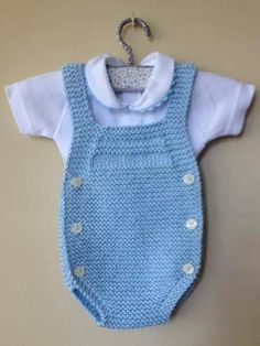 This Pin was discovered by Ros Baby Knitting Patterns, Knitting For Kids, Crochet For Kids, Baby Patterns, Knit Crochet, Diy Crafts Knitting, Pull Bebe, Baby Sweaters, Baby Booties