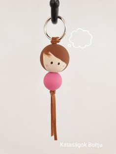 Wooden Pegs, Wooden Dolls, Personalized Items, Crafts, Jewelry, Sewing Ideas, Wooden Dummy, Key Fobs, Projects