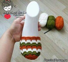 Crochet Slipper Pattern, Crochet Slippers, Baby Knitting Patterns, Crochet Patterns, Crochet Stitches, Knit Crochet, Crochet Flip Flops, Macrame Purse, Crochet Sandals