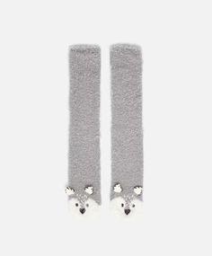 Husky socks, nullCHF - null - Find more trends in women fashion at Oysho . Slipper Socks, Slippers, Kids Socks, Fun Socks, Husky, Cosy Socks, Fluffy Socks, Novelty Socks, Designer Socks