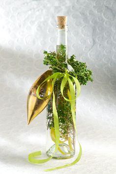 Lemon Thyme Infused Champagne Vinegar (Lemon-Thyme's my Favorite Herb)