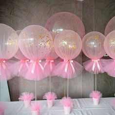 Easy to make DIY baby shower balloon centerpieces. Make it and your Baby Shower guest will sure be impressed by your creativity and eagerness to create great decoration for your child Baby Shower ❤ Tulle Balloons, Baby Shower Balloons, Baby Shower Parties, Baby Shower Themes, Shower Ideas, Idee Baby Shower, Mesas Para Baby Shower, Baby Shower Gifts, Baby Shower Pink