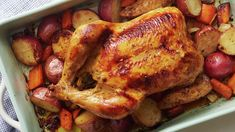 Lemon Herb Roast Chicken and Vegetables Turkey Recipes, New Recipes, Chicken Recipes, Cooking Recipes, Easter Recipes, Entree Recipes, Cooking Time, Favorite Recipes, Herb Roasted Chicken