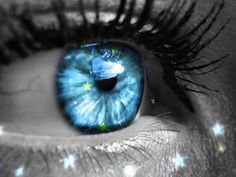 Crystal Blue Eyes | The Best Colored Contact Lenses for Blue Eyes