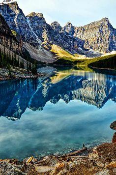 ✯ Moraine Lake - Alberta, Canada
