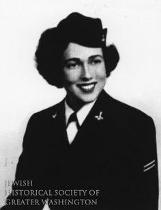 Fay Shulman enlisted as a WAVE (Women Accepted for Voluntary Emergency Service) during World War II. After hospital training, she was assigned to Bremerton Naval Hospital in Washington state.