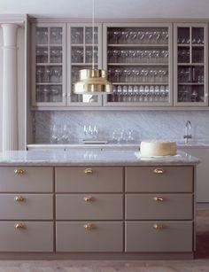 Ilse Crawford Matsalen Matbaren restaurants, Grand Hotel Stockholm, Sweden, kitchen gray cabinets, marble countertops, brass campaign hardware