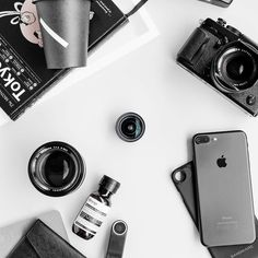 @xyphersoftware Repost from @alexetiawan_ using @RepostRegramApp - The next level of mobile photography.. Lens by @sandmarc  for the result just posted on my 2nd account @itsalexetiawan  #flatlay #essentials #monochrome #xypher #xyphersoftware