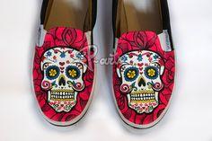 Shipping Worldwide    Skull customed Slip ons