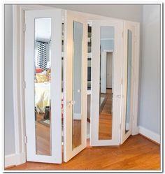 Falttür mit Spiegelfronten für begehbaren Kleiderschrank oder Bad ...