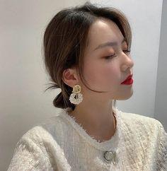 Charm Jewelry Korean Statement Pearl Beaded Drop Earrings For Women 2020 New Handmade White Dangle Earrings Jewelry | Touchy Style Unique Earrings, Beaded Earrings, Women's Earrings, Earrings Handmade, Charm Rings, Charm Jewelry, Pinterest Jewelry, Pearl Beads, Dangles