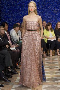 Christian Dior 54 - Raf Simons - Paris Haute Couture Automne-Hiver 2012-2013