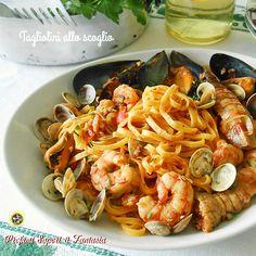 Gustosissimi i tagliolini allo scoglio, una ricetta che potrete realizzare facilmente portando in tavola una vera bontà variando con pesce di stagione.