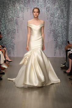 Gorgeous classy dress! Monique Lhuillier Fall 2016