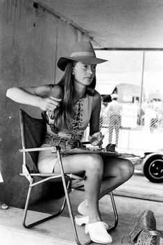 Forgotten Vintage Style Icon du Jour: Nina Rindt Bitchy Resting Face, Youth Dirt Bikes, Jochen Rindt, Mod Look, Vintage Mode, Vintage Style, Racing Events, Grid Girls, Androgynous Fashion