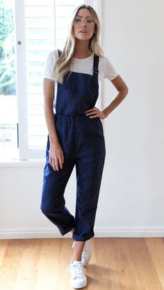 Mura Boutique Online Fashion Boutique - Outfits for Work Overalls Outfit, Jumpsuit Outfit, Casual Jumpsuit, Dungarees, Black Jumpsuit, Camille Thomas, Mode Outfits, Fashion Outfits, Fashion Ideas