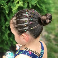 Today I bring you this Beautiful Hairstyle inspired by the talented Hilde Swipe for more views ➡️➡️➡️😊😊 Hoy les traigo Este… Easy Toddler Hairstyles, Baby Girl Hairstyles, Kids Braided Hairstyles, Princess Hairstyles, Young Girls Hairstyles, Trendy Hairstyles, Girl Hair Dos, Girl Short Hair, Braid Out