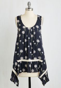 All Tops - The Fate Outdoors Top in Dandelions