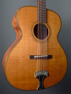 We've got another Stella-inspired twelve string that we have in the shop! Ralph Bown, while better known for his smaller fingerstyle guitars like the OM that Clive Carr Archtop Guitar, Acoustic Guitars, Learn Guitar Online, Learn Guitar Chords, 12 String Guitar, Fingerstyle Guitar, Country Blue, Beautiful Guitars, Guitar Design