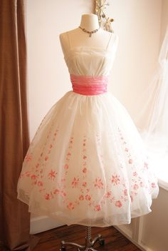 Pretty 60s garden party dress | Xtabay Vintage Clothing Boutique