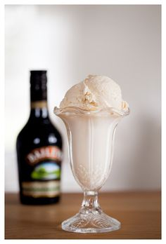 Frozen Yoghurt, Fika, Piece Of Cakes, Baileys, Food Inspiration, Deserts, Food And Drink, Ice Cream, Mousse