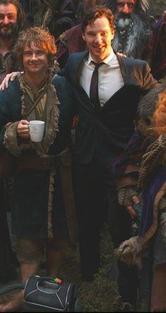 Bilbo Baggins and Smaug smile for the camera. // desolation of smaug; Martin Freeman and Benedict Cumberbatch Sherlock Bbc, Benedict Cumberbatch Sherlock, Watson Sherlock, Sherlock Quotes, Johnlock, John Watson, Bilbo Baggins, Thorin Oakenshield, Iron Man
