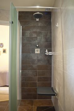 Vintage This modern wet room shower features in a tradition ensuite bathroom It has been designed