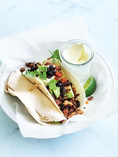 Chicken and chorizo tacos. Donna Hay kitchen tools, homewares, books and baking mixes. Quick and easy dinner or decadent dessert - recipes for any occasion. Breakfast Recipes, Dinner Recipes, Dessert Recipes, Dinner Ideas, Chorizo Tacos, Donna Hay Recipes, Tacos And Burritos, Soft Tacos, Yum Yum Chicken