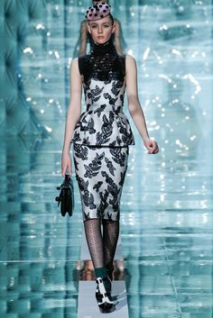 Marc Jacobs Fall 2011 Ready-to-Wear Fashion Show - Maddie Kulicka