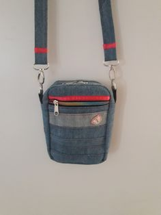 Easy Diy Crafts, Creative Crafts, Mini Crossbody Bag, Sewing Clothes, Pouch, Textiles, Zipper, Bags, Totes