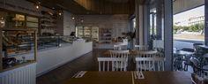 Безупречный интерьер пекарни-кафе Michalis
