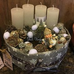 Christmas Advent Wreath, Winter Christmas, Christmas Decorations, Table Decorations, Advent Box, Wreath Boxes, Diy Box, Flower Boxes, Diy And Crafts