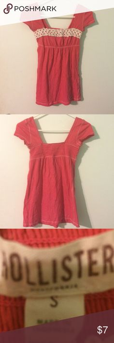 Cute Hollister shirt Soft and pretty stretchy Hollister Tops