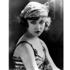 There's something about the Haute Couture fashions of the 1920s that really appeals to me. Changes were taking place in society at that time,...