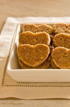 Galletas integrales de avellana - Receta - Secocina Biscuit Cookies, Healthy Biscuits, Dairy Free Recipes, Light Recipes, Healthy Desserts, Cookie Recipes, Bakery, Food Porn, Vegetarian