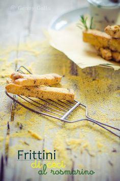 Frittini di ceci al rosmarino.