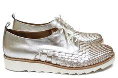 91bfa70a118b0 Chaussures Femme Derby Printemps Eté 2015 Maurice Manufacture BEVERLY Cuir  Tresse argent - Cuir lisse argent