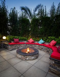 62 Awesome Creative Backyard Fire Pit Ideas for This Season - Backyard Seating, Fire Pit Backyard, Backyard Patio, Fire Pit Landscaping, Garden Landscaping, Fire Pit Essentials, Fire Pit Materials, Fire Pit Designs, Garden Landscape Design