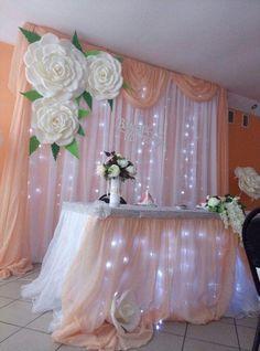 Flores, telas y luces