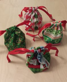 Small Christmas Drawstring Gift Bags $.85 each on Etsy