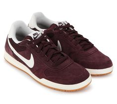 Field Trainer Sneakers by Nike. Burgundy shoes inspired by the retro design, this field trainer sneaker sure look good on the track or even outside the track, perfect shoes for casual style and sport, running with style with this field sneakers. http://www.zocko.com/z/JGgkK